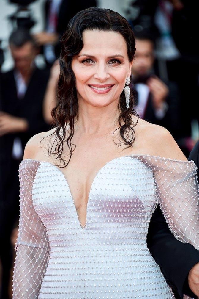 Juliette Binoche wore Marco Bicego earrings to