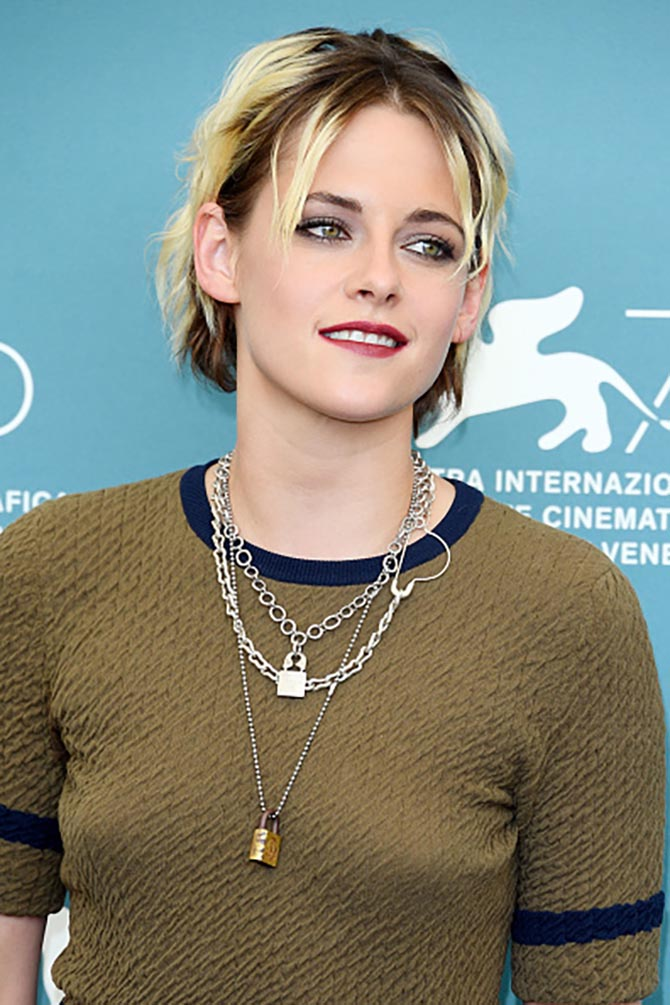 Kristen Stewart wore her jewels by Jilllian Dempsey at the Seberg photocall.