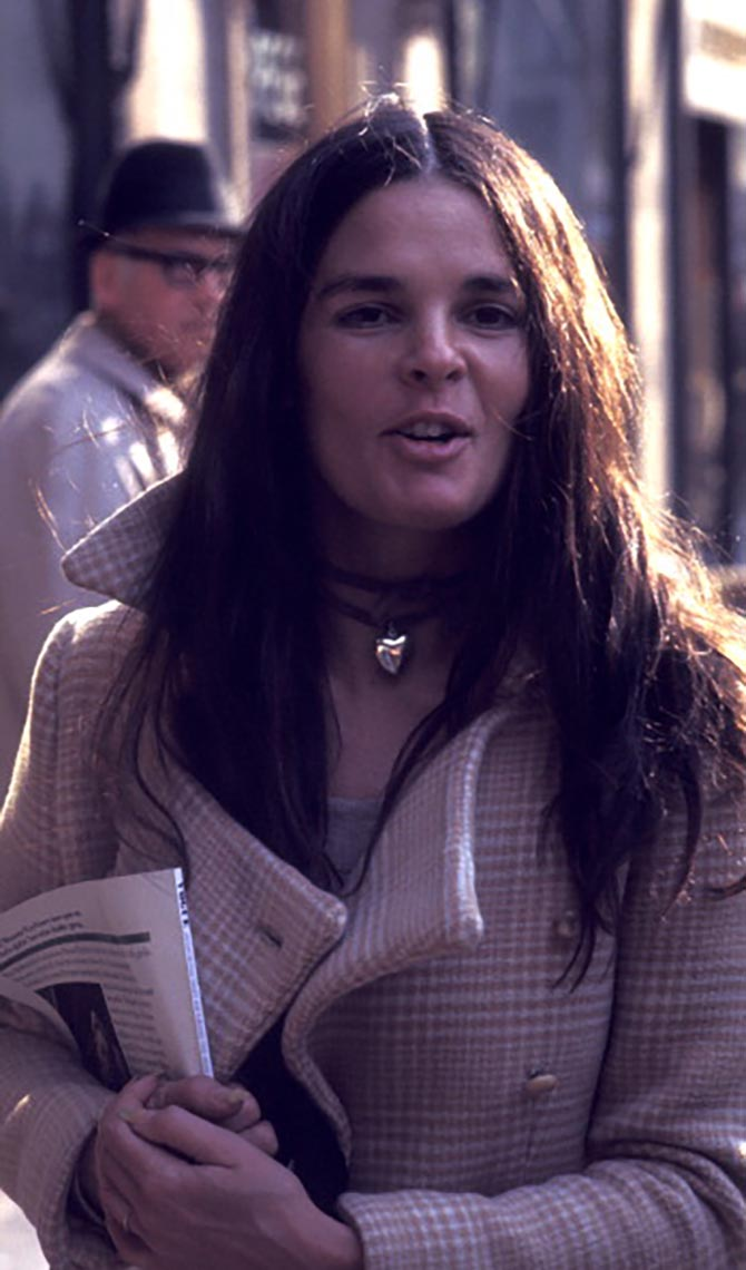 Ali MacGraw sighted on March 8, 1971 Fifth Avenue in New York City. (Photo by Ron Galella, Ltd./Ron Galella Collection via Getty Images)