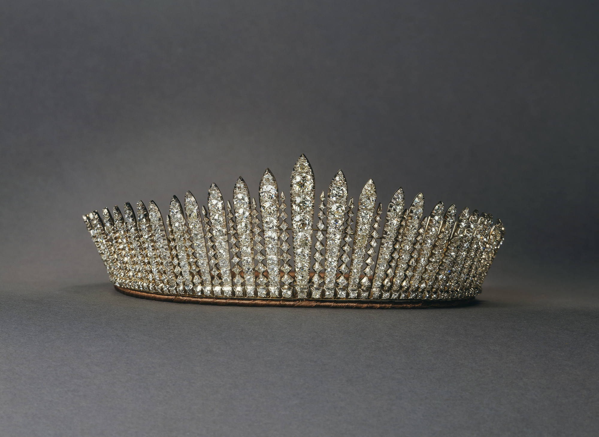 Queen Mary's Fringe Tiara worn by Princess Anne at her 1973 wedding to Captain Mark Phillips. Photo Royal Collection Trust/All Rights Reserved