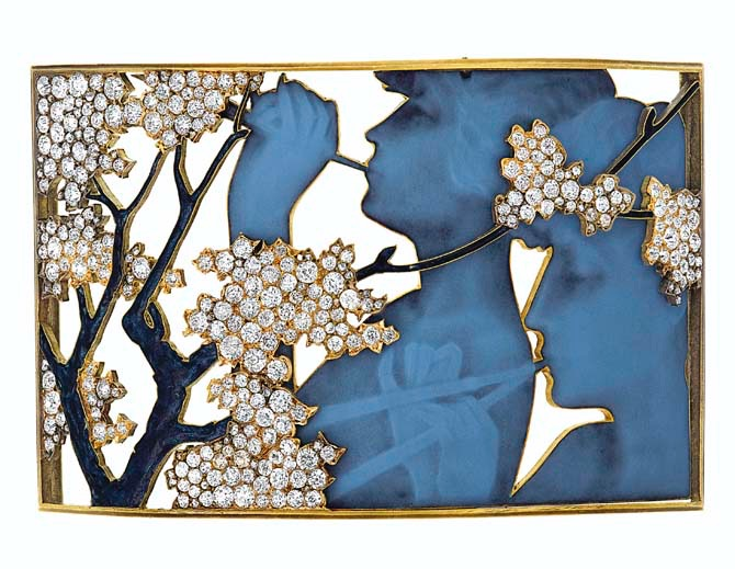 ART NOUVEAU GLASS, ENAMEL AND DIAMOND DOG COLLAR PLAQUE, RENÉ LALIQUE