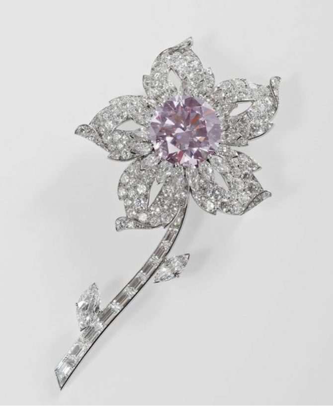 The Queen's Williamson Diamond Brooch. Cartier, London, 1953. Diamonds, platinum; 10 × 5.5 cm; signed: Cartier London. Royal Collection © Her Majesty Queen Elizabeth II