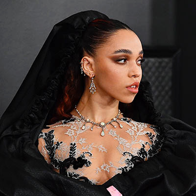 The Adventurine Posts The Best Jewelry at the 2020 Grammys
