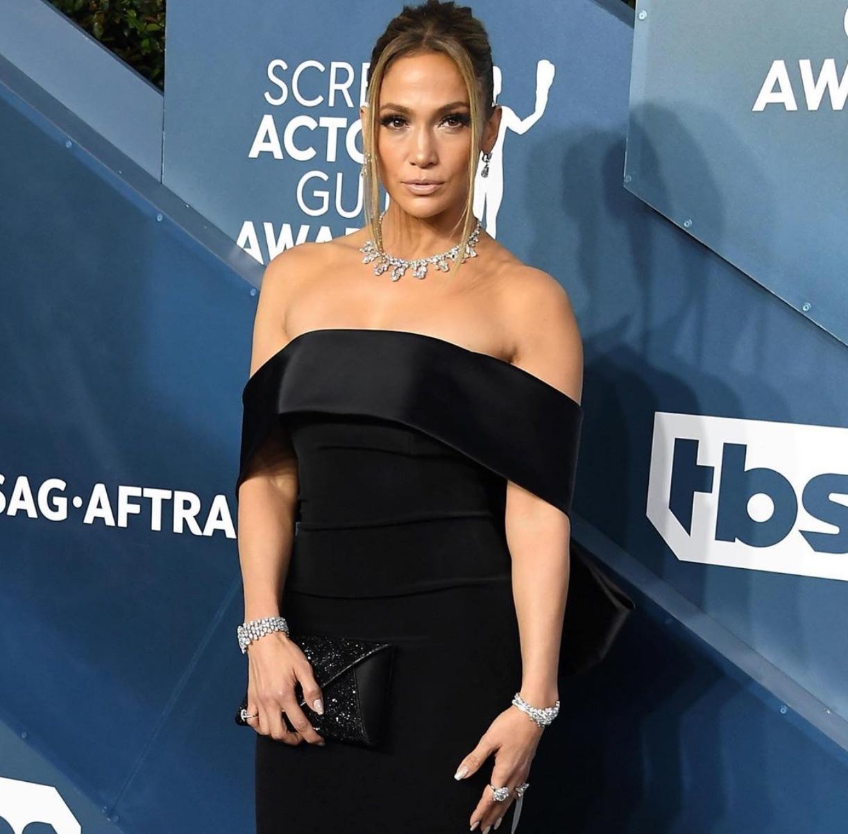 Jennifer Lopez wore $9-million worth of diamond jewelry from Harry Winston