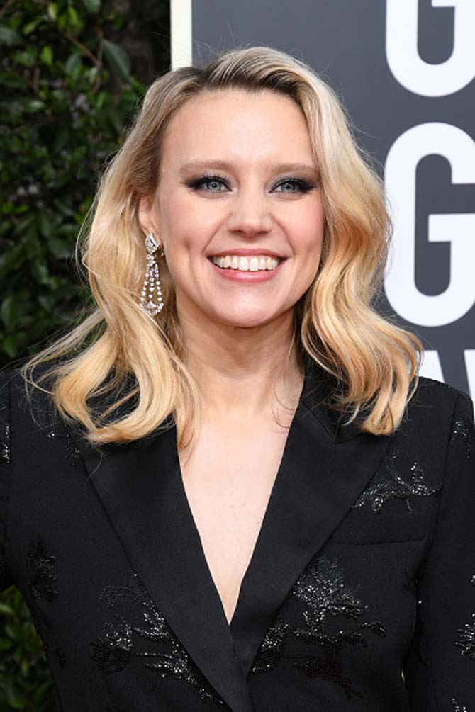 Kate McKinnon wearing earrings from Beladora.