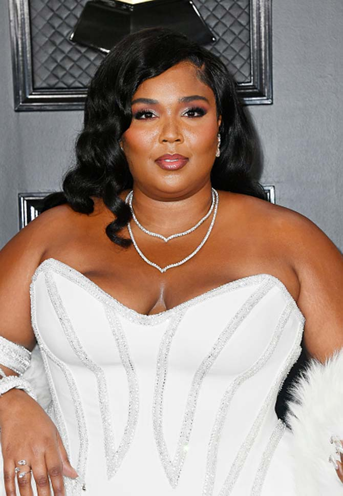 Lizzo wearing jewels by Lorraine Schwartz