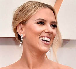 The Adventurine Posts Scarlett Johansson's Oscar Earrings