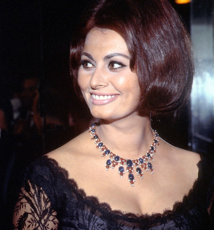 Sofia Loren wearing her Bulgari necklace.
