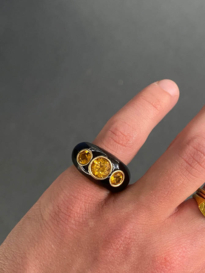 An Italian ring in 18kt yellow gold, black enamel, and citrine, circa 1970's from Vecchi Gioielli