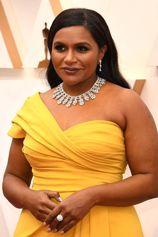 Mindy Kaling wore a necklace by Chopard