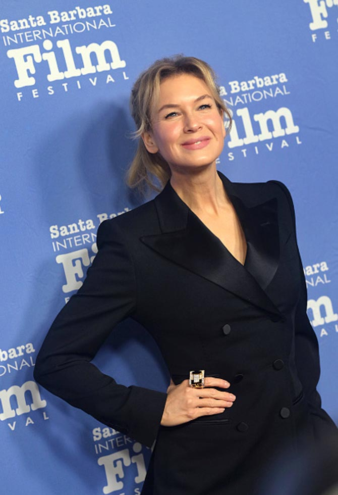 Renée Zellweger wore a David Webb Mega Cubist Ring composed of diamonds, black enamel, gold and platinum to the Santa Barbara International Film Festival where she received the American Riviera Award on January 16, 2020.