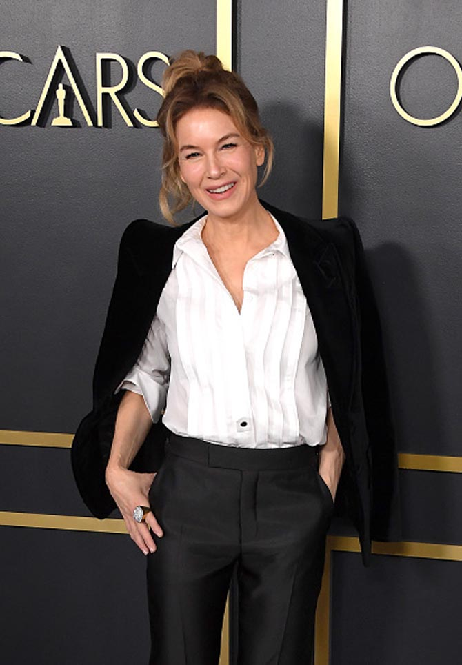 Zellweger wore the David Webb City Lights Ring composed of brilliant-cut diamonds, hammered 18K gold, and platinum to the 92nd Oscars Nominees Luncheon on January 27th, 2020, in Hollywood.