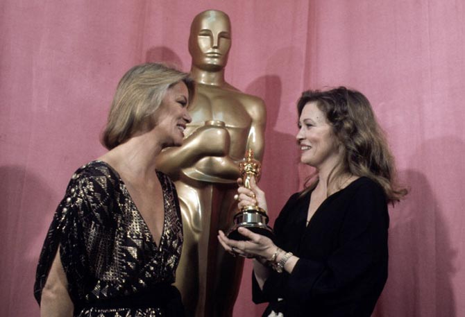 THE 49TH ANNUAL ACADEMY AWARDS - Show Coverage - Airdate: March 28, 1977. (Photo by Walt Disney Television via Getty Images Photo Archives/Walt Disney Television via Getty Images) LOUISE FLETCHER;FAYE DUNAWAY