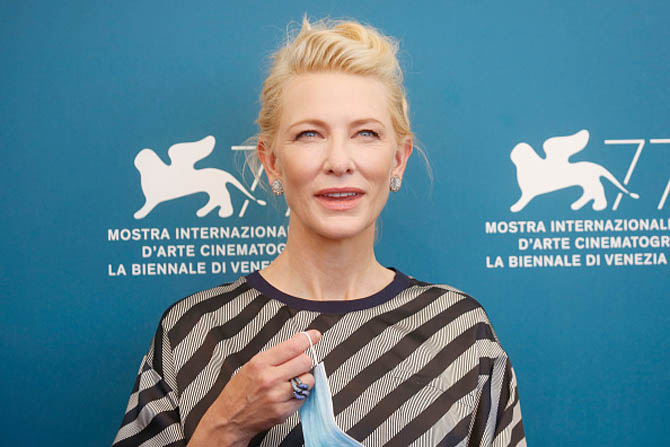 For the Jury Photo Call, Cate wore an Armani jumpsuit with Pomellato Sabbia earrings and a Tango ring.