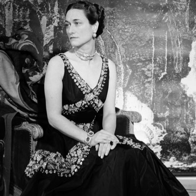 The AdventurinePostsThe Duchess of Windsor's Anniversary Bracelet
